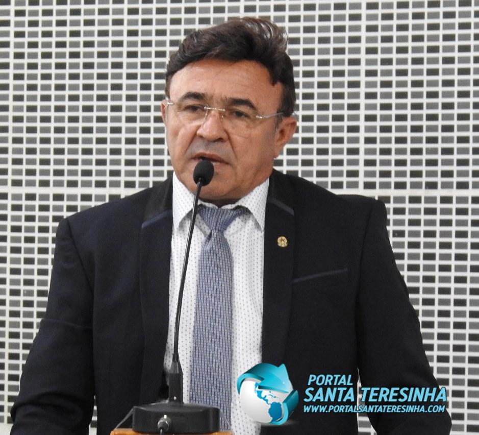 Pedro Sopa é contra a contratação de funcionários e diz que a ação gera economia ao Município